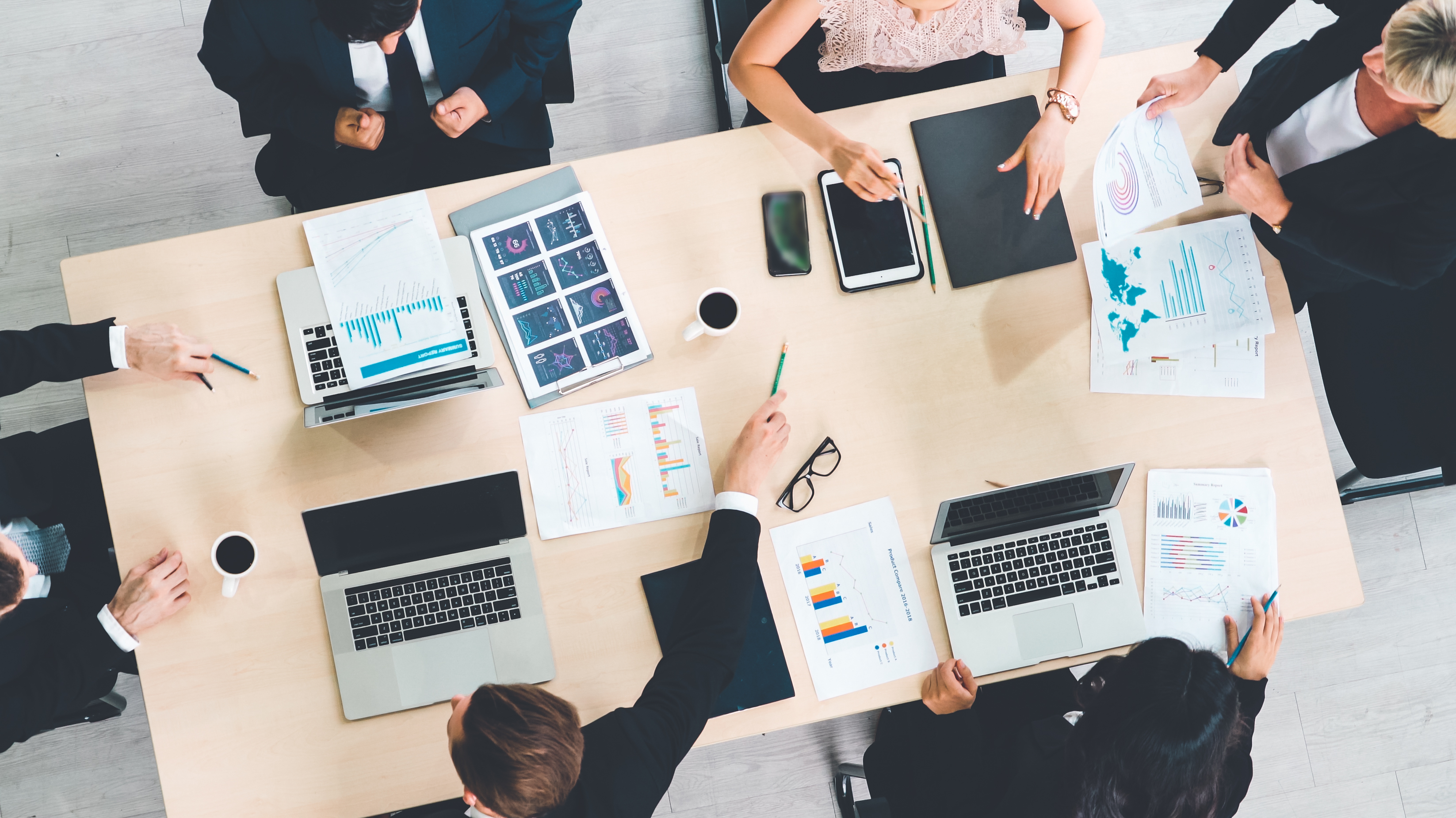 How Marketing Teams Can Navigate an M&A: Management, Tools & Teams